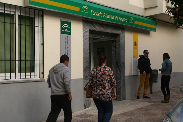 Baja el desempleo en antequera aumentando la brecha entre for Oficina de desempleo malaga