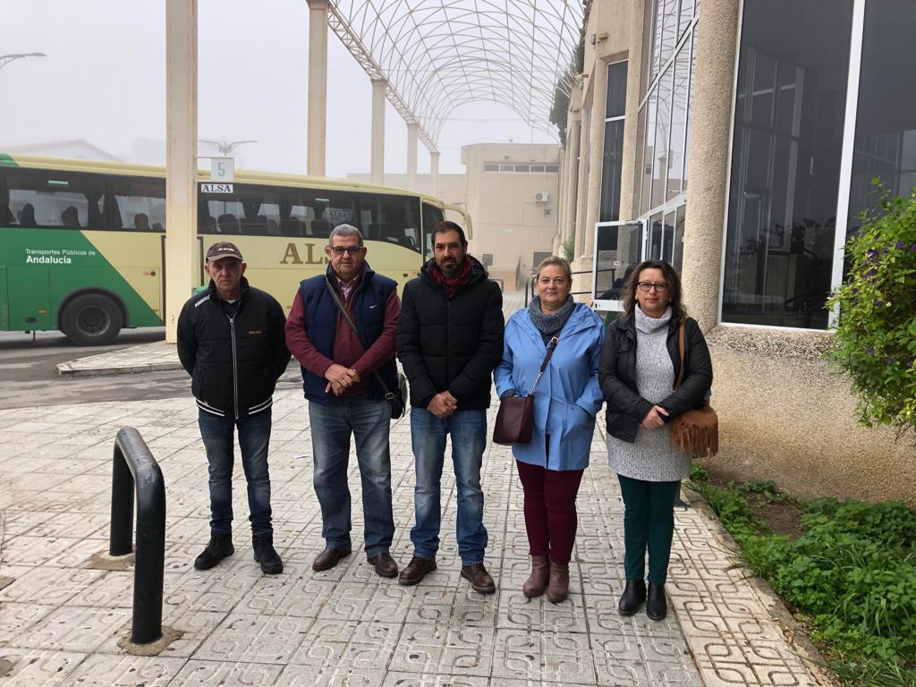 Adelante Antequera protesta por la dejadez de la estación de autobuses - Las 4 Esquinas
